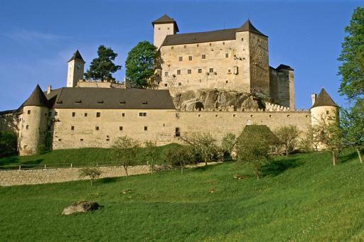 Allen voran sind die Burgen Heidenreichstein, Rappottenstein (im Bild), Hardegg und Raabs die mächtigsten Burgenzeugen der Vergangenheit.