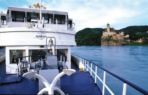 Am 14. April beginnt die Schifffahrtssaison in der Wachau. BRANDNER Schiffahrt bietet tägliche Schifffahrten zwischen Krems und Melk. Im Bild: MS Austria vor Schönbühel