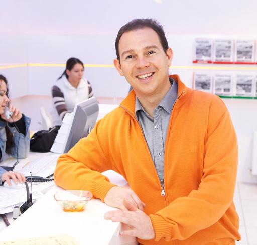 """Bei Buchungen weit vorn: www.stafa.at. """"Wir werden von unseren Kunden angetrieben und motiviert"""", lacht Robert C. Chlebec, Chef von STAFA Reisen."""