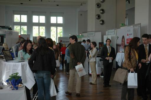 """Die """"Biz"""" wie sie kurz genannt wird, lockte über 1.000 Fachbesucher aus Wien und Umgebung ins MAK Wien. Das Interesse der Besucher war groß und die Aussteller zeigten sich zufrieden mit der Wahl der Location, der Organisation und vor allem der Qualität der Gespräche."""