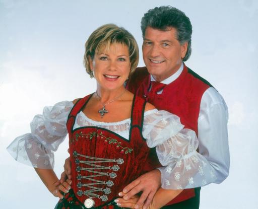 """Seit nunmehr 30 Jahren touren Marianne & Michael durch ganz Deutschland und Österreich. Am 30. Juni und 1. Juli 2007 führt ihre Musikshow in das """"Museum Tiroler Bauerhöfe"""". Mit von der Partie sind: Marc Pircher, die Kastelruther Spatzen, Belsy, Oswald Sattler, die Zillertaler, die Schäfer, die 4 Holterbuam, die Aufgeiger, die Krochledern uvm."""