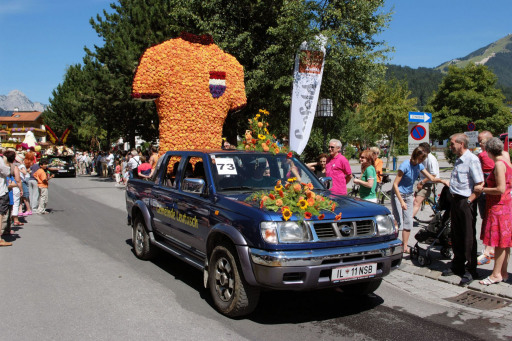 Ein übergroßes Trikot der niederländischen Nationalmannschaft mit dem auffallenden Tirol08-Schriftzug setzte das EM-Teilnehmerland Holland gekonnt in Szene.
