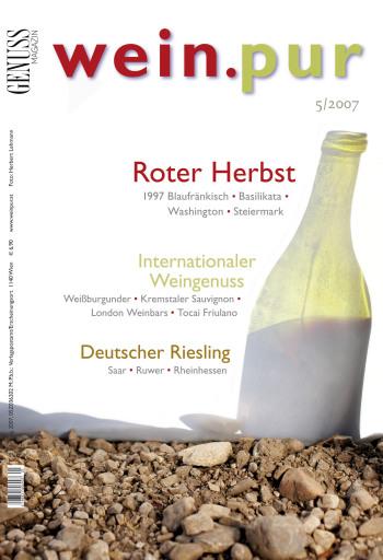 """Die rote Steiermark - Nur rund 400 ha stehen in der Steiermark zur Produktion von """"echten"""" Rotweinen zur Verfügung. Lesen Sie unsere Tipps zu Zweigelt, Pinot Noir und den facettenreichen Cuvées."""