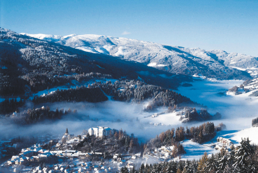 Über die Grenzen der Steiermark hinaus sind die Region Murau und der Kreischberg für sein umfangreiches Ski- und Snowboard und Langlaufangebot sowie die Schneesicherheit sehr bekannt.