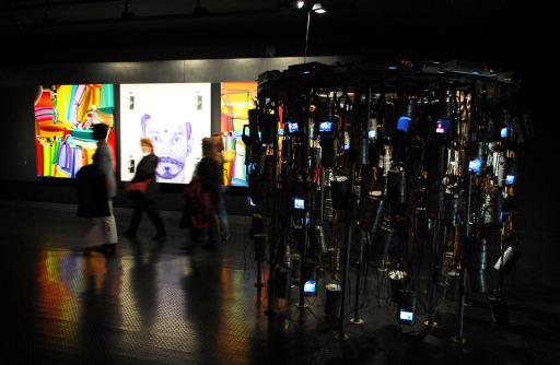 """Am 7. Dezember 2007 lädt der Riese ab 19:30 Uhr zur öffentlichen Vernissage der Kult-Ausstellung """"Kunst.Mumbai"""" ein."""