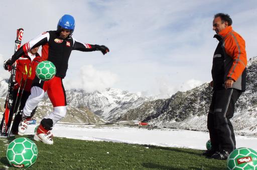 Benni Raich und Hansi Müller spielten sich bereits auf dem Rettenbachferner in Sölden für den Tirol:08 Winter Cup ein.