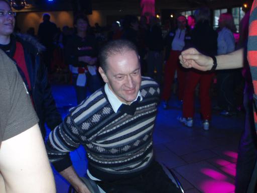 """Barrierefreiheit - Gesprächsthema Nummer eins; Genießen und helfen auf dem integrativen Ball """"Boundless 2008"""" am 29. März in Schladmings 1. barrierefreien Disco"""