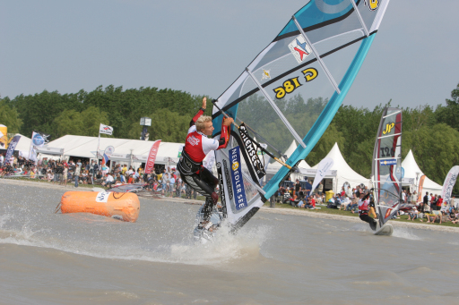 Surf-Action am Neusiedler See