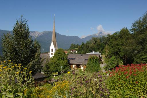 Das kleine Kärntner Bergdorf Irschen im oberen Drautal setzt bei Urlaubsangeboten ganz auf die unscheinbaren, aber duftenden und bunten Dinge der Natur.