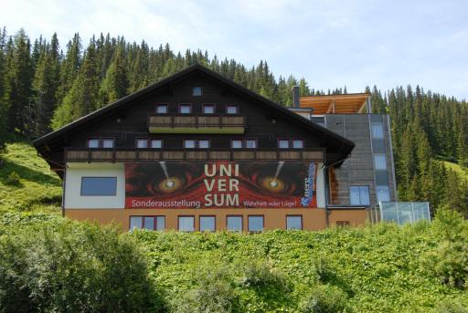 Die Sonderausstellung UNIVERSUM, welche im letzten Sommer ca. 5000 Besucher anlockte, wird wieder im Mittelpunkt des Erlebnisberges stehen.
