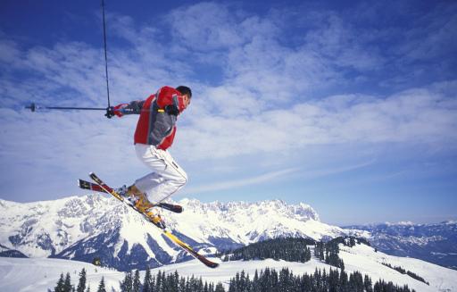 Auszeichnung auf Auszeichnung und Bestnoten am laufenden Band für die SkiWelt Wilder Kaiser - Brixental: beim Skigebiets-Check 07/08 von SnowOnline.de, einem der größten deutschsprachigen Internet-Portale, erreichte die SkiWelt gleich in mehreren Kategorien Bestnoten und zählt damit zu den europäischen Top-Wintersportdestinationen.