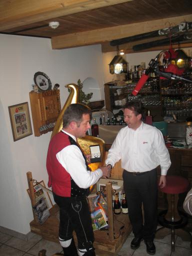 Anlässlich ihres Aufrittes an der Waldweihnacht Wilder Kaiser in Söll, am 10.12.2008 vor 1500 begeisterten Zuschauern, wohnten die Kastelruther Spatzen im Mit Tiroler Herzblut Hotel Greil in Söll.