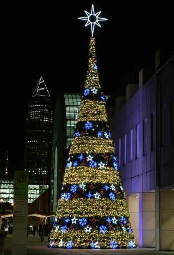 Hotellerie und Gastronomie holen sich neue Ideen auf der Christmasworld und lassen sich von der Weltleitmesse für Festschmuck und Dekoration inspirieren.