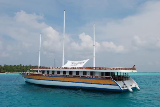 Das Safariboot Nautilus Two präsentiert mit großzügigen Kabinen, Klimaanlage und Whirlpool die schönsten Tauchplätze der Malediven