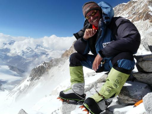 Liebt die höchsten Berge der Erde und entspannt beim Wandern in den Alpen: Deutschlands erfolgreichster Extrembergsteiger Ralf Dujmovits ist am 27. Juni 2009 zu Gast in Zell am See-Kaprun.