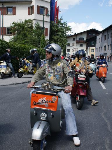 Rund 4.500 Fahrer aus 22 Nationen waren am vergangenen Wochenende zu Gast bei den Vespa World Days in Zell am See-Kaprun.