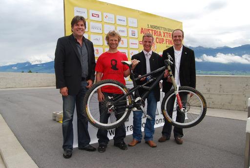v.l.n.r: Christoph Stock (Innsbruck Tourismus), Christian Piccolruaz (Verein Trail Solutions), Sportstadtrat Christoph Kaufmann und Wolfgang Teix (Sportamt Innsbruck)