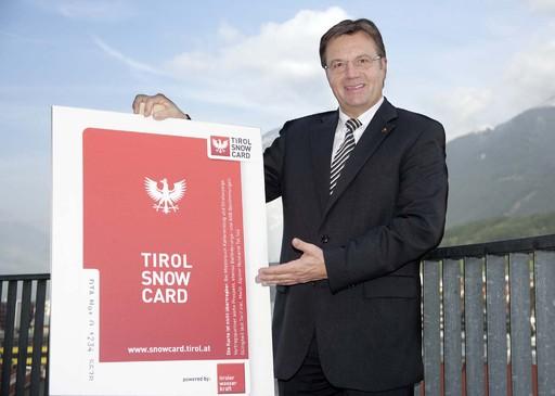 Mit der Snow Card präsentiert Tirols Landeshauptmann Günther Platter einen Skipass der Superlative.
