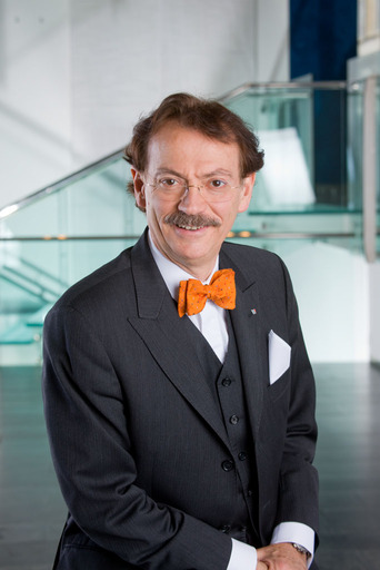 Bild zu TP/OTS - KommR Ing. Josef Bitzinger, Obmann der Sparte Tourismus und Freizeitwirtschaft.