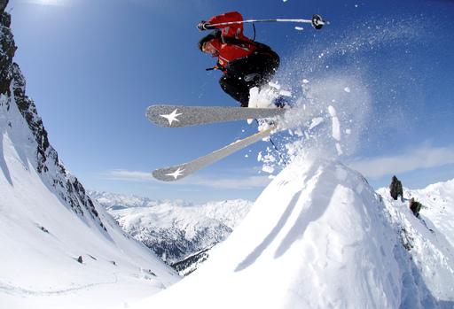 Die Kitzbüheler Alpen investieren für diesen Winter als 60 Millionen Euro in moderne Lifte, leistungsfähige Beschneiung und mehr Komfort für die Skifahrer.