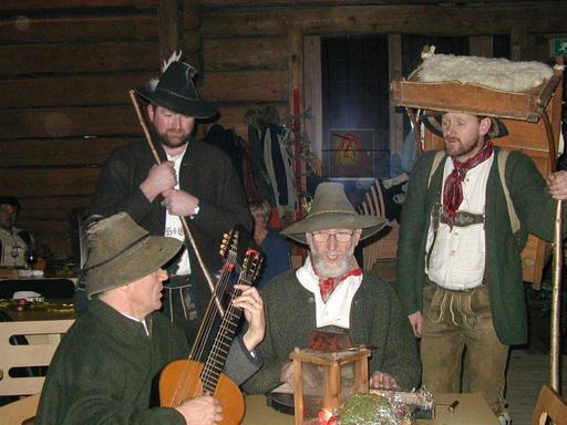 """Die Anklöpfler im Bergbauernmuseum """"z'Bach"""""""