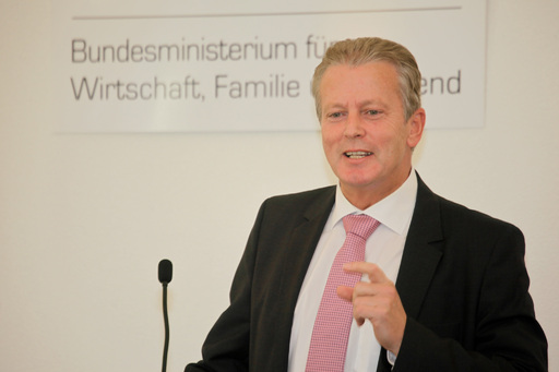 Wirtschaftsminister Mitterlehner bei der Eröffnungsansprache
