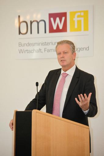 Wirtschaftsminister Reinhold Mitterlehner bei der Eröffnung der Tourismus-Enquete