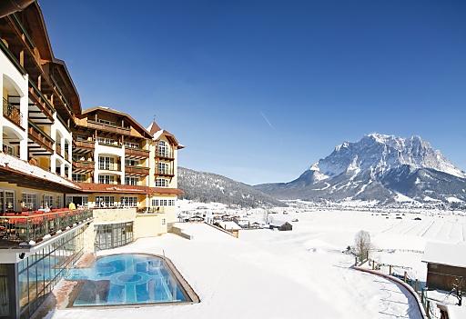 Glanzvoller Jahresauftakt - Das Alpine Luxury Hotel Post Lermoos zählt ab 1. Januar 2010 zum exklusiven Kreis der Best Wellness Hotels Austria.