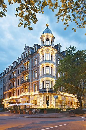 Das ALDEN Hotel Splügenschloss, das kleinste Fünfsternehotel Zürichs, bietet für Hochzeiten und andere einzigartige Feste achtzehn der zweiundzwanzig Suiten zum Pauschalpreis.