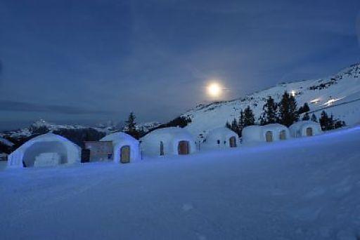 Die Zauber-Erlebniswelt aus Eis und Schnee, dass ALPENIGLU(R) DORF auf Hochbrixen wird am 05.01.2010 offiziell eröffnet!
