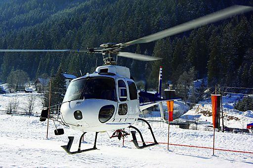 Der Salzburger Jetbroker Flyby Management hebt ab zur Weißwurstparty 2010. Mit einer Citation II des Anbieters Call & Fly von Wien Schwechat nach Salzburg, dann mit dem Helikopter direkt zur Weißwurstparty.