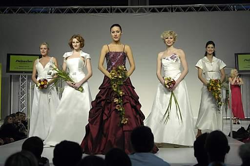 HEIRAT: 60 Aussteller und täglich vier Hochzeits-Modeschauen von Art & Fashion