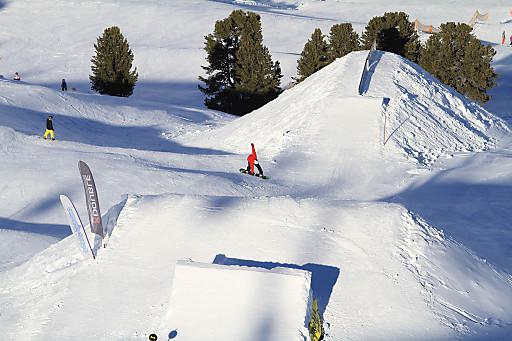 Auf einer Höhe von 2.200 Metern bietet der Funpark im Kühtai ideale Freestyle-Bedingungen für Anfänger und Profis.
