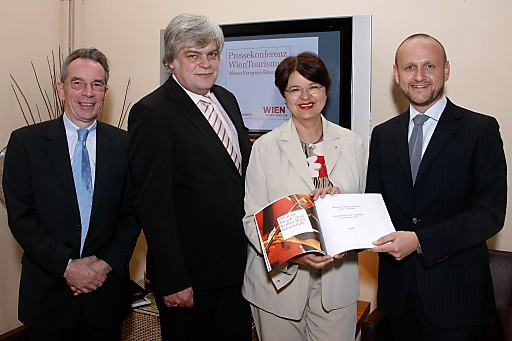 Wien-Tourismus - Kongressbilanz 2009; v.l.n.r.: Christian Mutschlechner, Prof. Gerald Ganssen, Vizebürgermeisterin Renate Brauner, Norbert Kettner