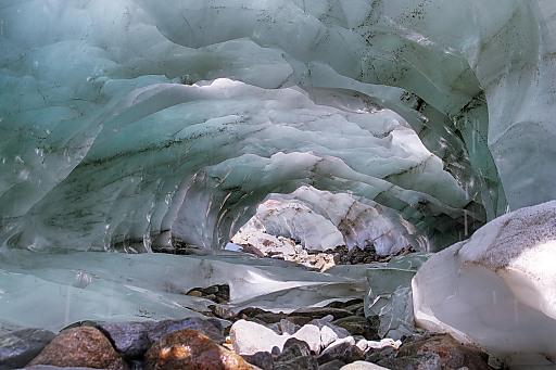 Eishöhle im Vernagtferner (Ötztaler Alpen)