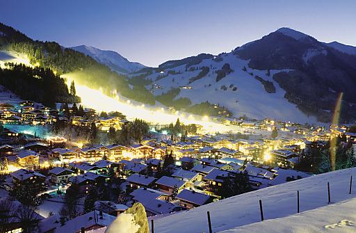 Saalbach Hinterglemm jubelt über Nächtigungszahlen und investiert für kommenden Winter in eine neue Gondelbahn am Unterschwarzachlift.
