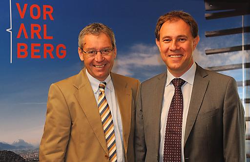 links Wirtschafts- und Tourismuslandesrat Mag. Karlheinz Rüdisser, rechts Landestourismusdirektor Mag. Christian Schützinger.