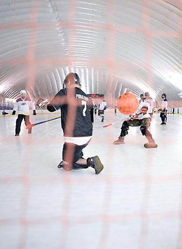 Von 1. - 6. November 2010 finden in der Olympiaworld Innsbruck, im Eissportzentrum Götzens und im Sportzentrum Telfs die Broomball Weltmeisterschaften statt.