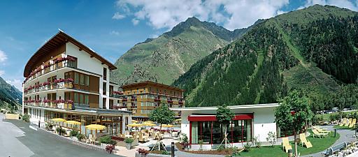 Das Hotel Vier Jahreszeiten, am Fuße der Rifflseebahn des Pitztaler Gletschers in Tirol, hat sich mit Leib und Seele dem Thema Sport verschrieben.
