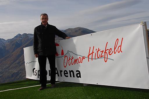 Ottmar Hitzfeld in der neuen Ottmar Hitzfeld GsponArena.