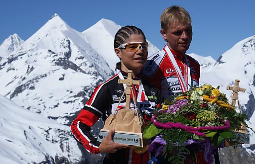 """Glocknerkönig auf der """"Classic"""" Strecke wurde zum dritten mal in Folge Andreas Ortner mit 1:19:46 aus Deutschland. Glocknerkönigin wurde mit einer Zeit von 1:32:09 Sabine Gandini aus Italien."""