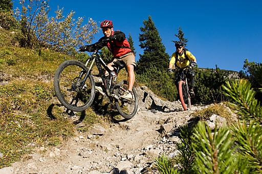Vorarlberg bietet sowohl zum Mountainbiken als auch zum Roadbike-Fahren Weltklasse-Strecken.