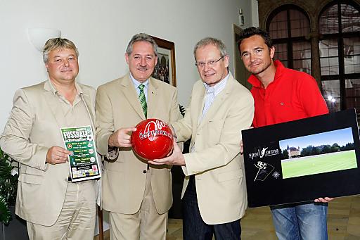 Das Land Oberösterreich, Oberösterreich Tourismus und der OÖ Fußballverband arbeiten gemeinsam mit engagierten Hoteliers und Sportagenturen daran, internationale Fußballteams verstärkt für ihre Trainingscamps nach Oberösterreich zu locken.