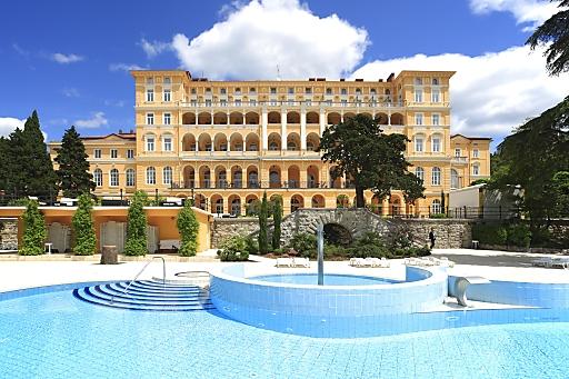 Laut Holidaycheck, dem größten Hotelbewertungsportal in Europa, vom heutigen Morgen ist das Falkensteiner Family Hotel Diadora in Punta Skala das beste Hotel in Dalmatien von fast 1000 bewerteten Häusern.
