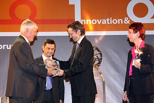 Als einziges Hotel Europas für den diesjährigen European Excellence Award nominiert, nahm Franz-Josef Pirktl, Inhaber des Alpenresorts Schwarz in Tirol, die Finalisten-Trophäe entgegen.