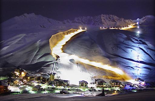 Österreichs höchstgelegener Wintersportort Kühtai auf 2.020 Metern wird von 02.-05. Dezember 2010 bereits zum 2. Mal Austragungsort des Tirol Cross Mountain zugunsten der Welthungerhilfe.