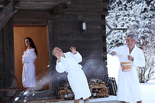 Entspannung und die Leichtigkeit des Seins erleben die Gäste in der neuen Hüttensauna des Hotels Poppengut.