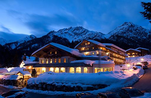 Ein Ort, an dem Körper und Seele wieder zum Einklang finden, das 1. Almwellnes Hotel Tuffbad in St. Lorenzen im Lesachtal.