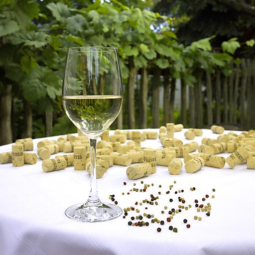 """Weinviertel DAC - frisches """"Pfefferl"""" im Glas."""