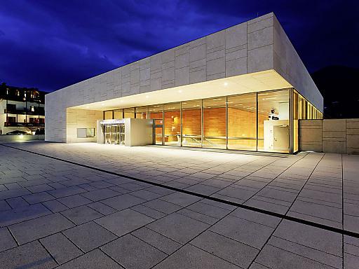 Die elegante und schlanke Architektur des FPCCs im Stadtkern von Zell am See begeistert Aussteller wie Besucher.